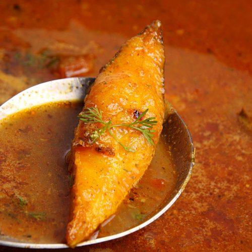 Black Pomfret Fish Curry