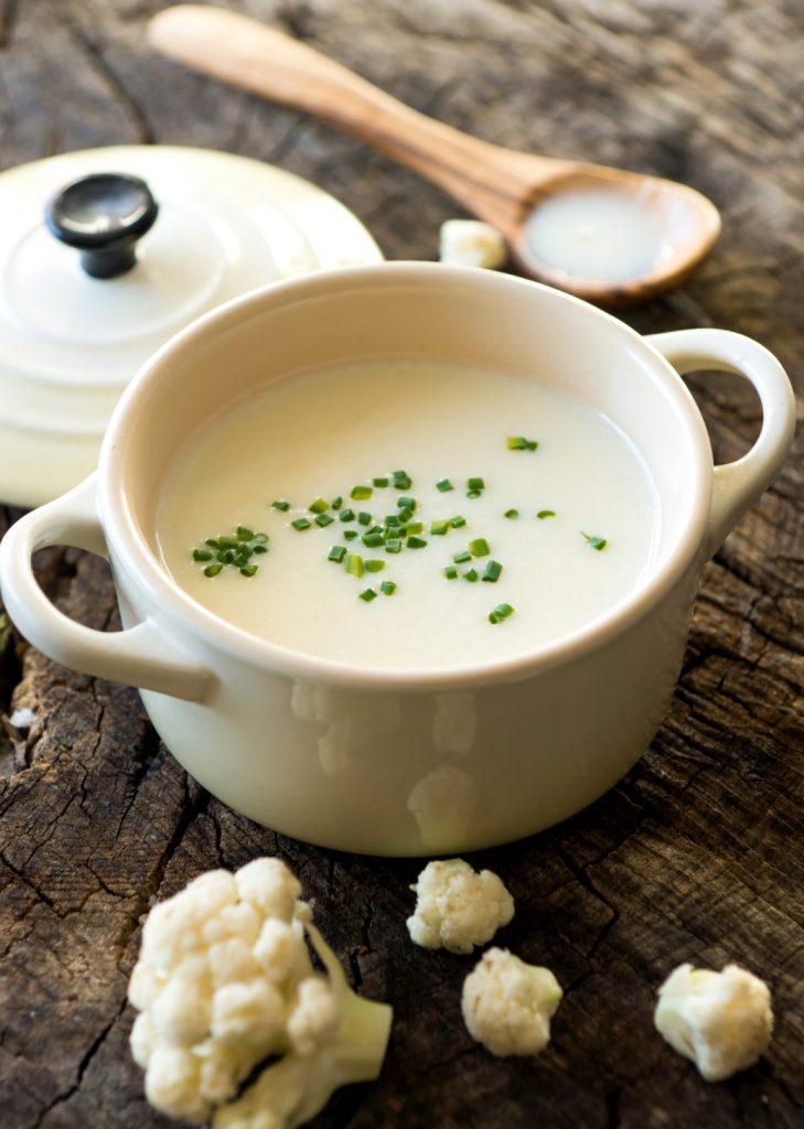 Garlic and Cauliflower Soup