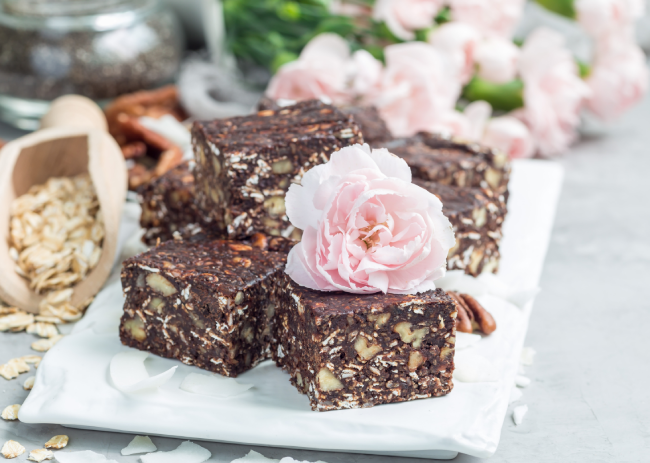7 Best Paleo Bars to Try RN